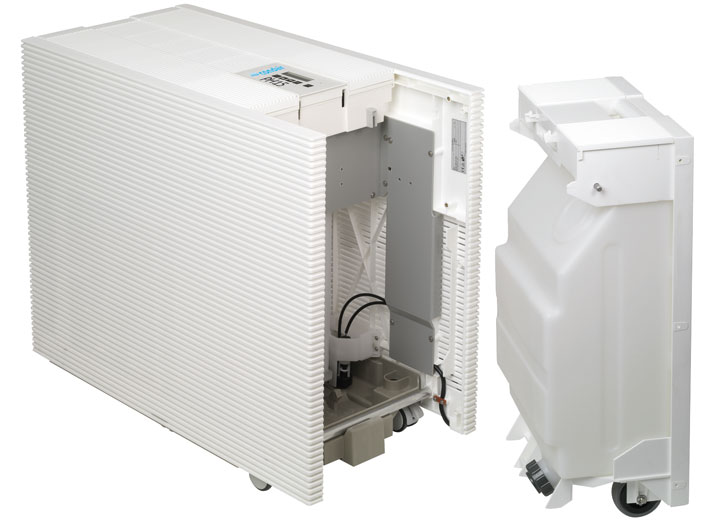 Den avtagbara vattentanken på 20 liter är monterad på hjul och lätt att fylla på