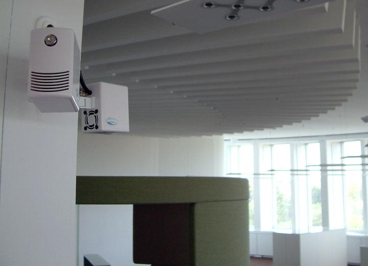 Munstycksenheterna kan montera på väggen eller i taket