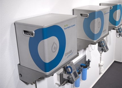 Water treatment for air humidification