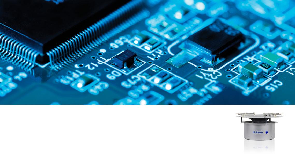 Produktion af elektronik fjerner statisk elektricitet med luftbefugtning