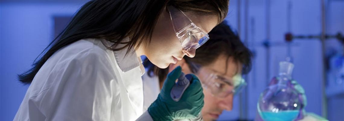 Luchtbevochtiging en luchtvochtigheidsbeheersing in cleanrooms en laboratoria