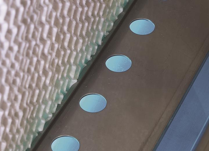UV-Wasseraufbereitung im Tank für hygienische Zwecke.