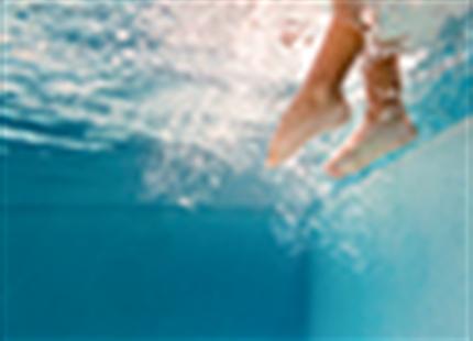 Waarom is ontvochtiging zo belangrijk in zwembaden?
