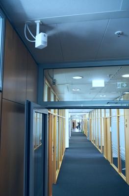 Draabe NanoFog Luftbefeuchtung im Flur bei BHS