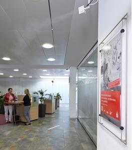 NanoFog Luftbefeuchter schützen im Kundenzentrum die Gesundheit von Kunden und Mitarbeitern