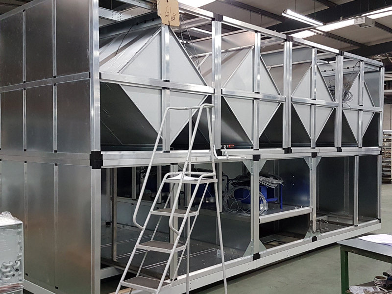 Indirect evaporative cooling AHU