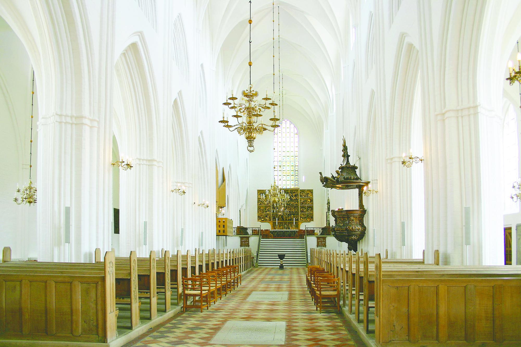 Affugtning sikrer Odense Domkirkes inventar